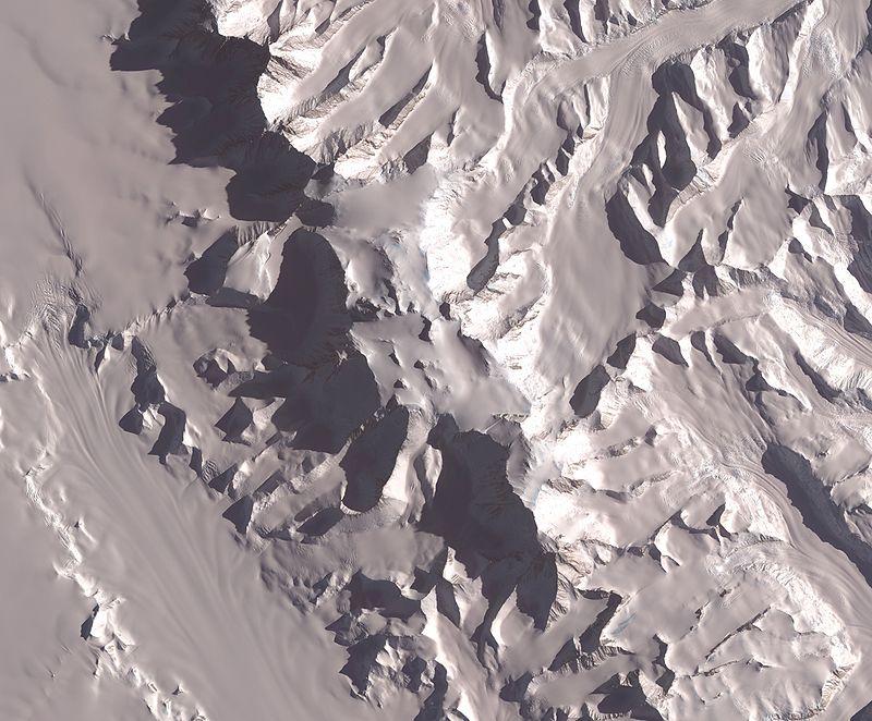 800px-Vinson-Massif